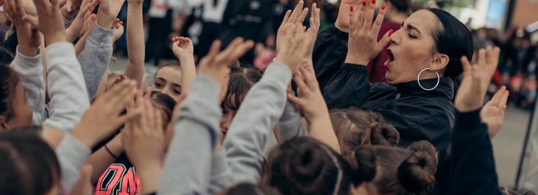 Dance Me inaugura les Fires i Festes de la Santa Creu amb un show multitudinari