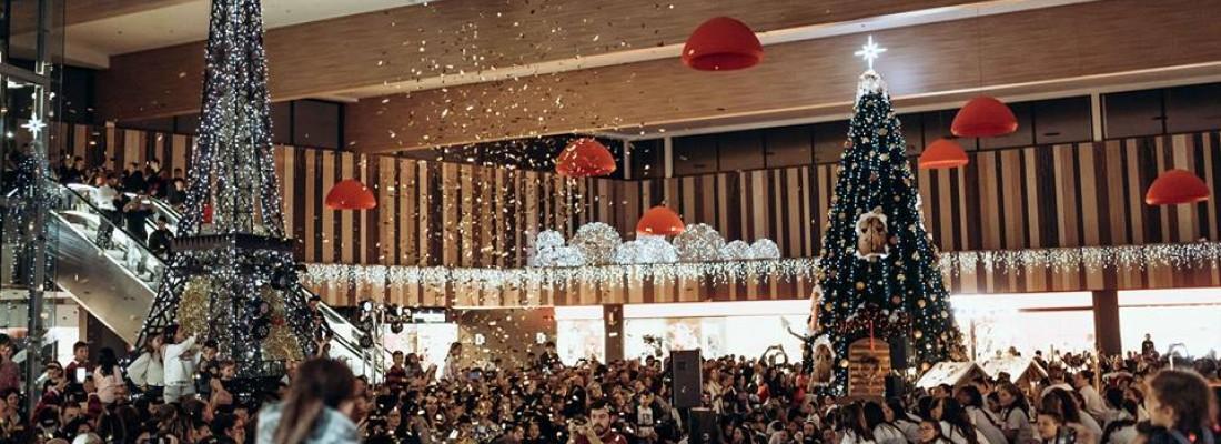 Dance Me Figueres encén els llums de Nadal del Gran Jonquera Outlet & Shopping